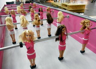 BarbieFoot-Barbie-Foosball-Table1