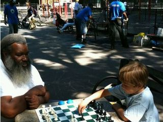 Story_xlimage_2010_11_R4618_Chess_Players_in_Inwood_11152010_HOLD_FOR_PHOTOS