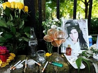 400_300_amy_winehouse_007_