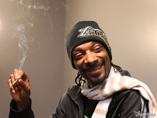 Snoop-dogg-ron-paul-0131-600x450