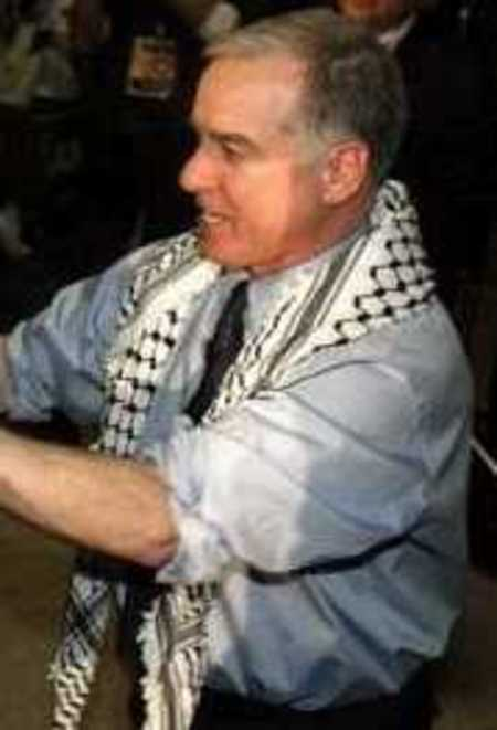 Howard_dean_kaffiyeh